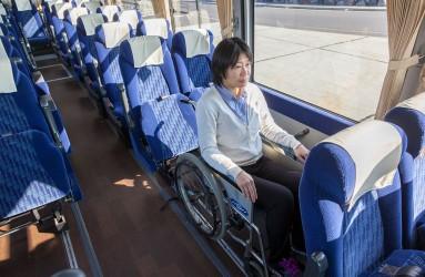 バス車内での車椅子固定